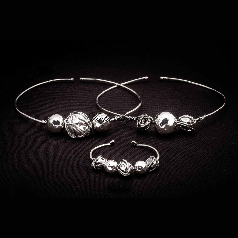 c94616a2bdc93a Girocollo e bracciale in argento 925 a sfere martellate e con filo